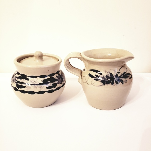 Casey Pottery Other - 🌼2/$25🌼CASEY POTTERY creamer & sugar bowl w/lid